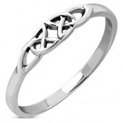 Trinity Knot Silver Plain Ring - rp877